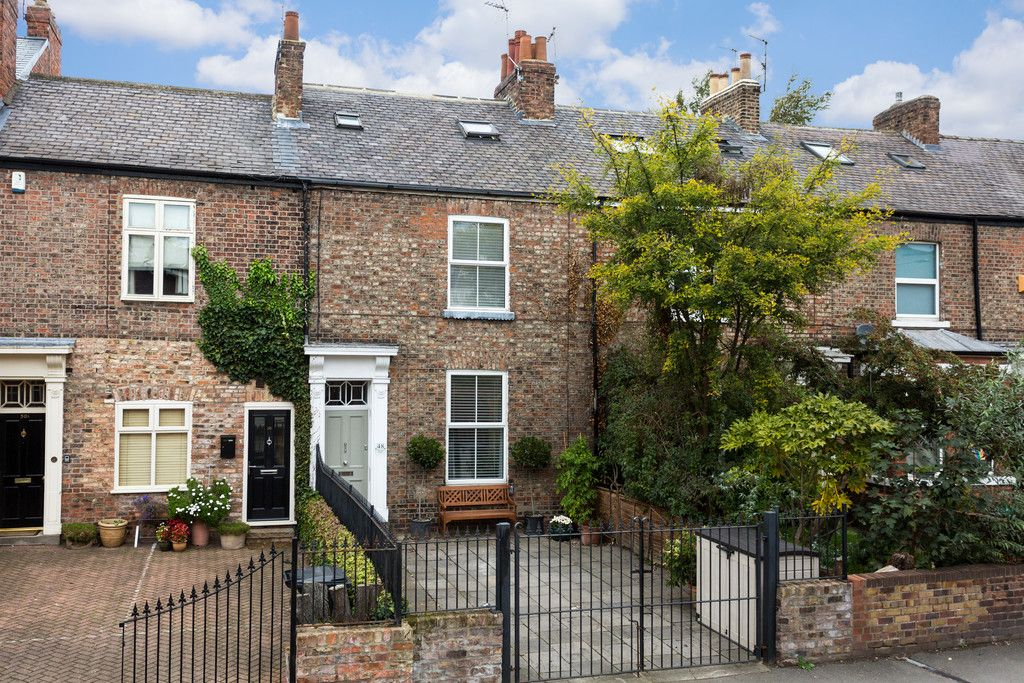 3 bed house for sale in Holgate Road, York  - Property Image 2