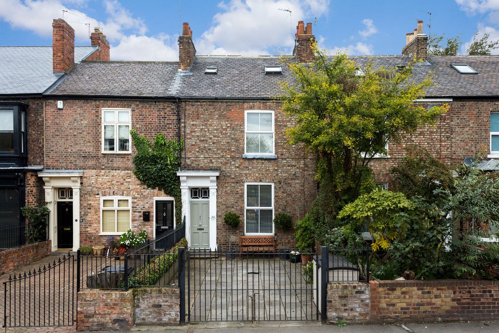 3 bed house for sale in Holgate Road, York 21