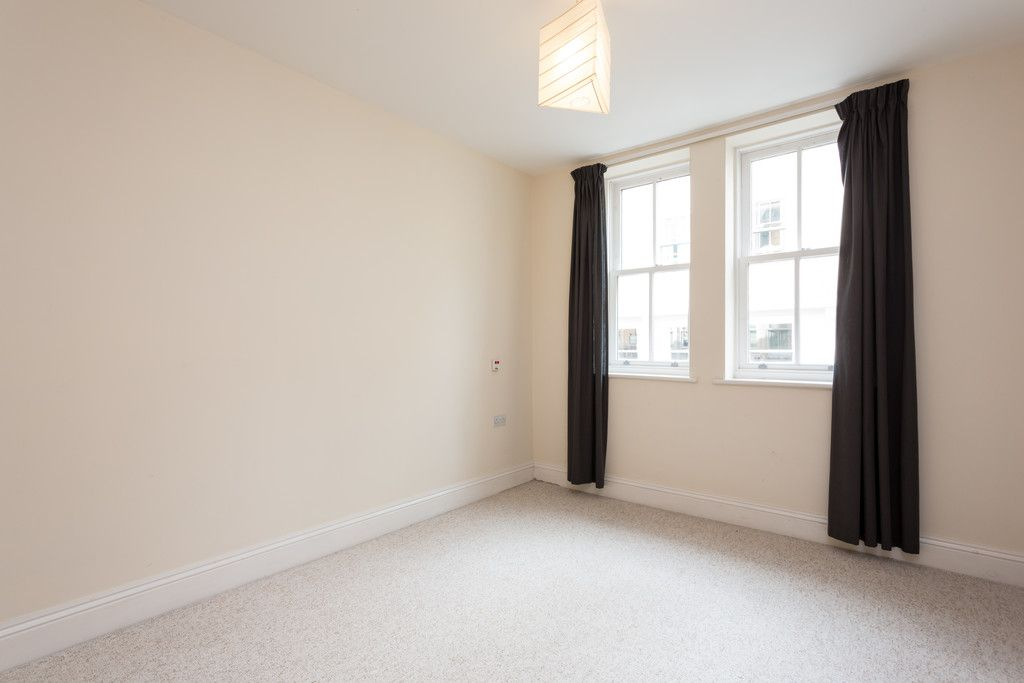 2 bed flat for sale in Talbot Court, Low Petergate, York 11