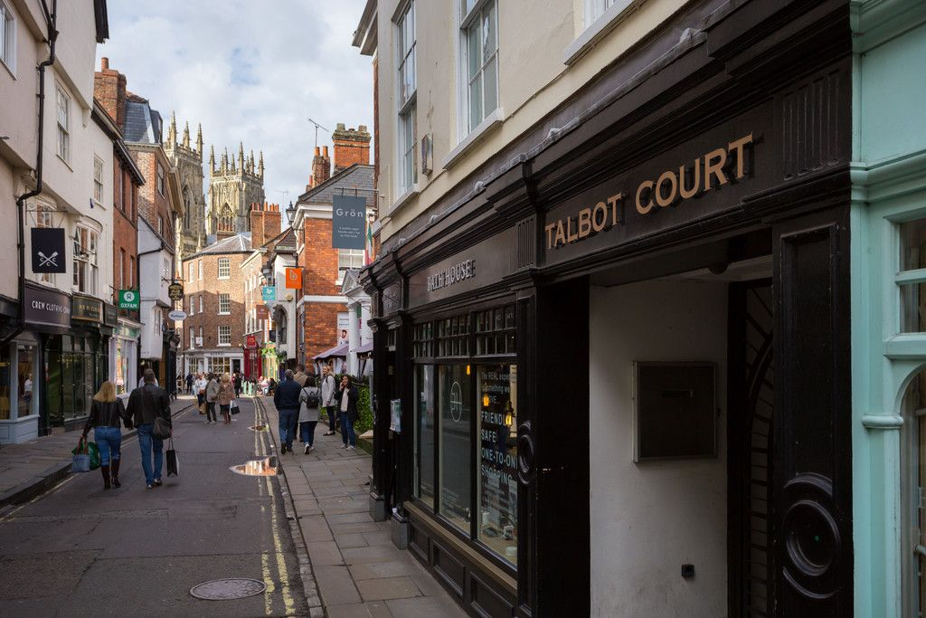 2 bed flat for sale in Talbot Court, Low Petergate, York 12