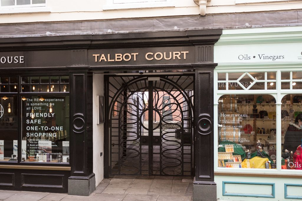 2 bed flat for sale in Talbot Court, Low Petergate, York 18