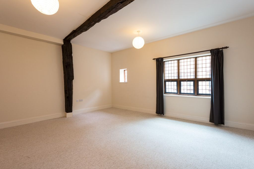 2 bed flat for sale in Talbot Court, Low Petergate, York 4