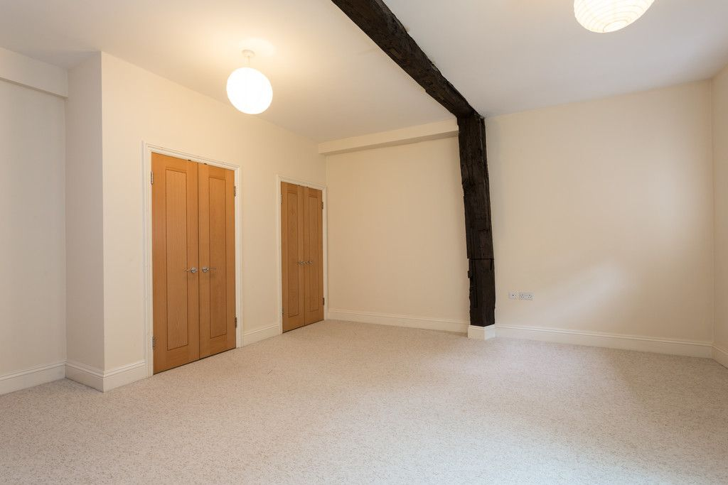 2 bed flat for sale in Talbot Court, Low Petergate, York 8