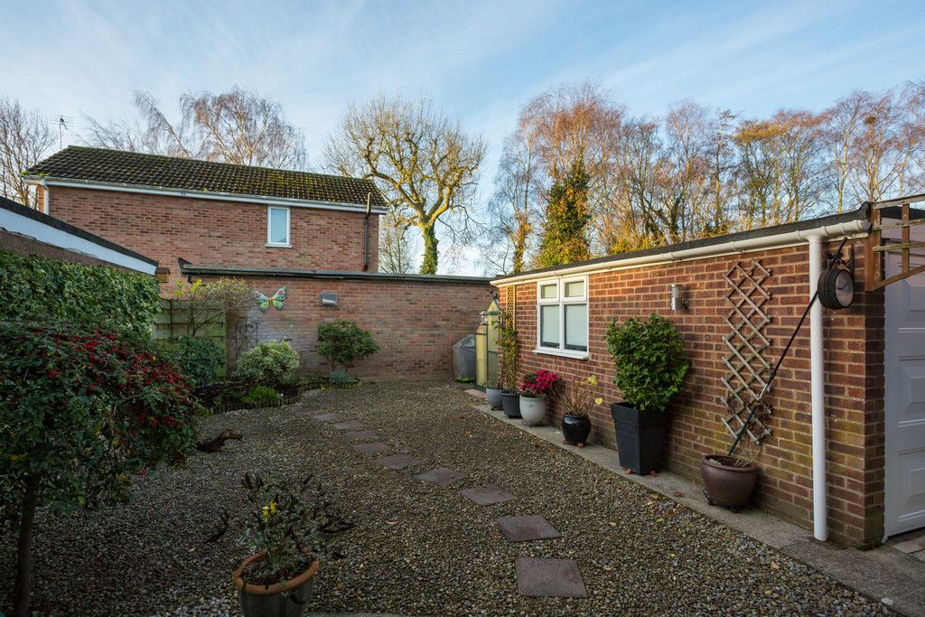 3 bed house for sale in Farmers Way, Copmanthorpe, York  - Property Image 11