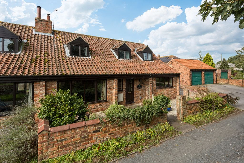 4 bed house for sale in Oakdene, Catterton  - Property Image 1