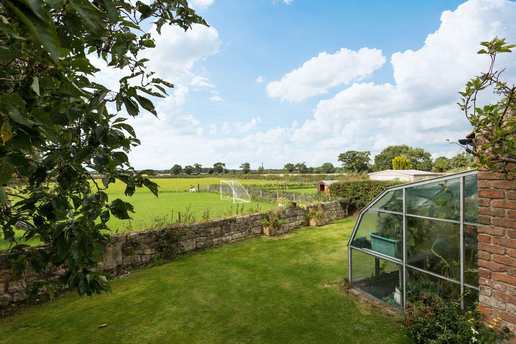 4 bed house for sale in Oakdene, Catterton  - Property Image 3