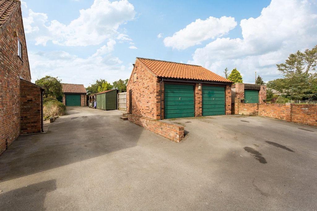 4 bed house for sale in Oakdene, Catterton 24