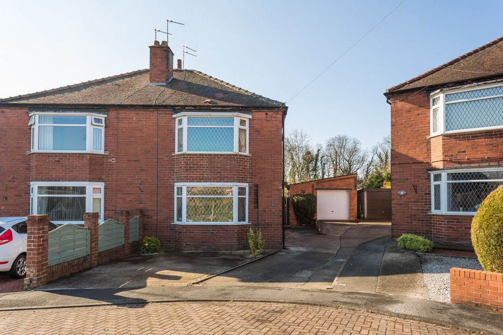 3 bed house for sale in Tower Crescent, Tadcaster - Property Image 1