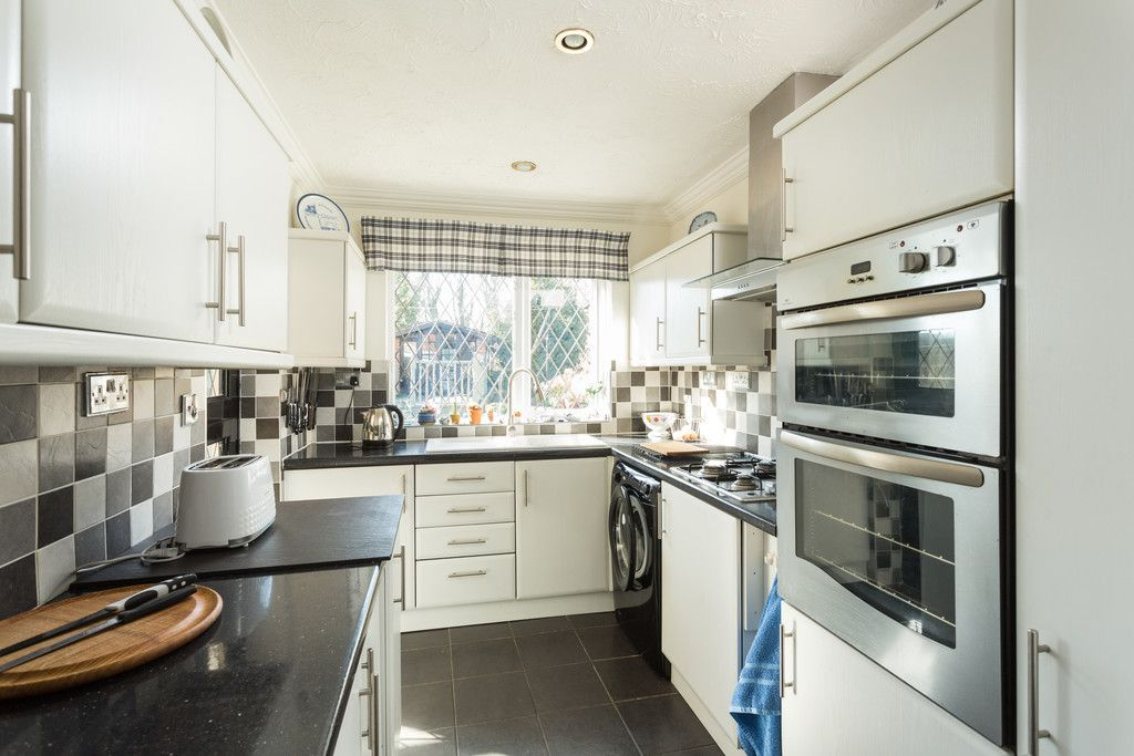 3 bed house for sale in Tower Crescent, Tadcaster 6