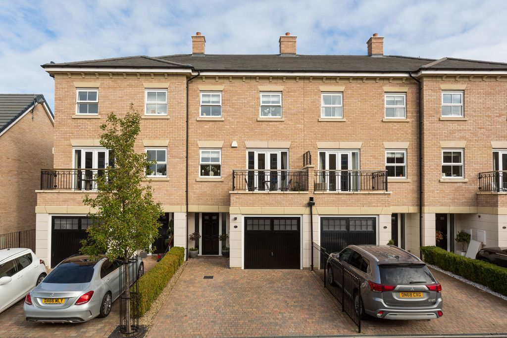 3 bed house for sale in St. Andrews Walk, Newton Kyme, Tadcaster 1