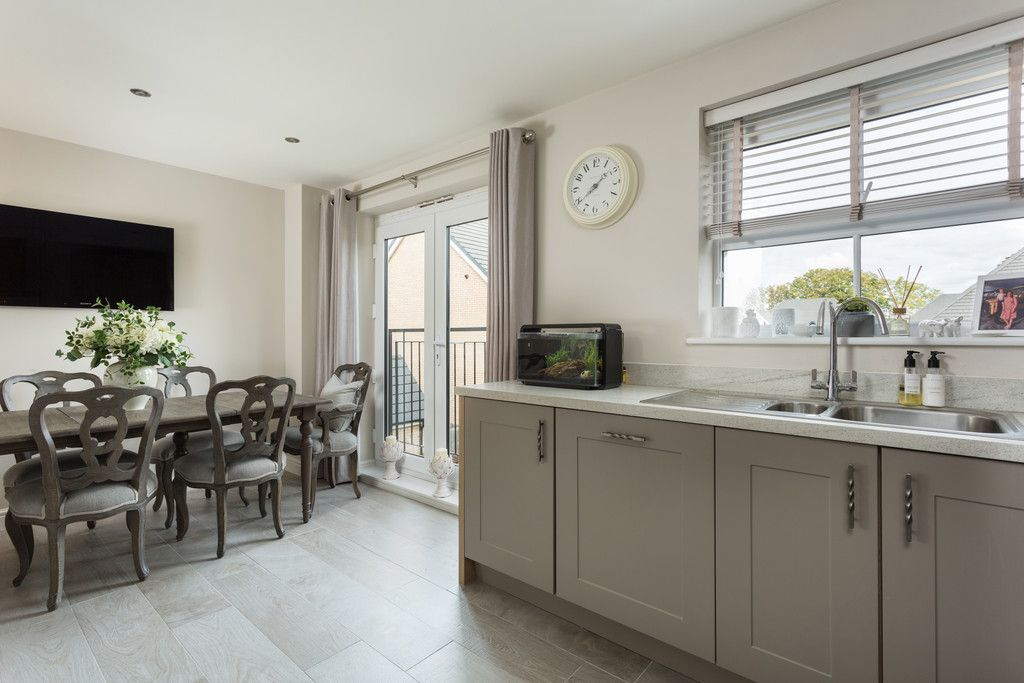 3 bed house for sale in St. Andrews Walk, Newton Kyme, Tadcaster 3