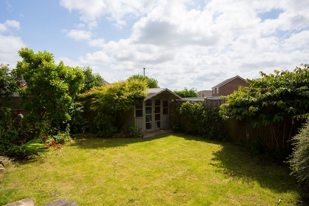 2 bed bungalow for sale in Potters Drive, Copmanthorpe, York  - Property Image 2