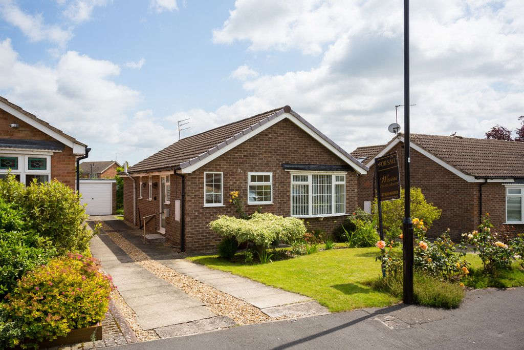 2 bed bungalow for sale in Potters Drive, Copmanthorpe, York 11