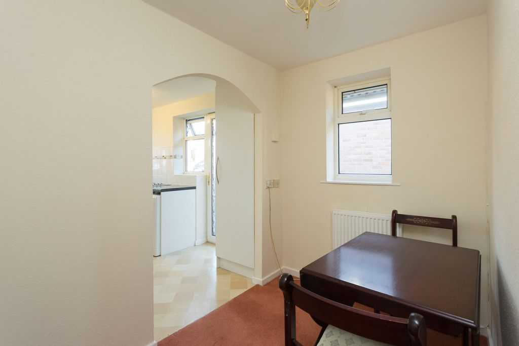 2 bed bungalow for sale in Potters Drive, Copmanthorpe, York  - Property Image 4