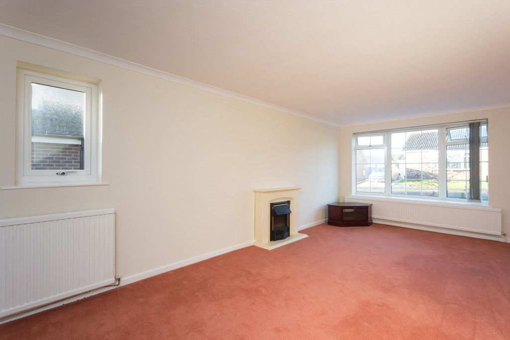 2 bed bungalow for sale in Potters Drive, Copmanthorpe, York  - Property Image 5