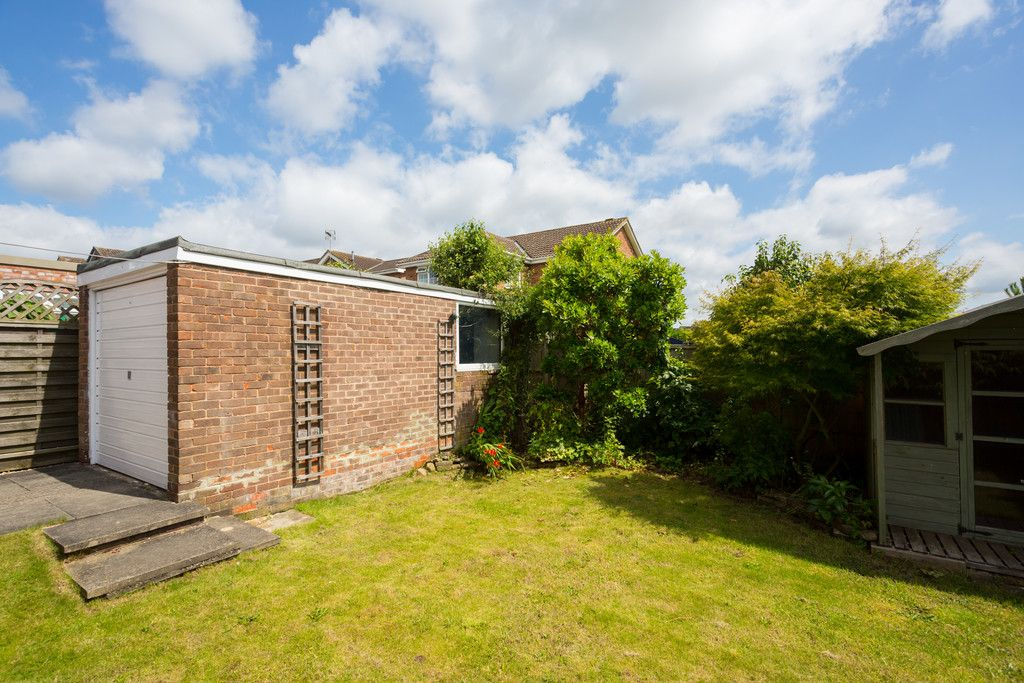 2 bed bungalow for sale in Potters Drive, Copmanthorpe, York  - Property Image 9