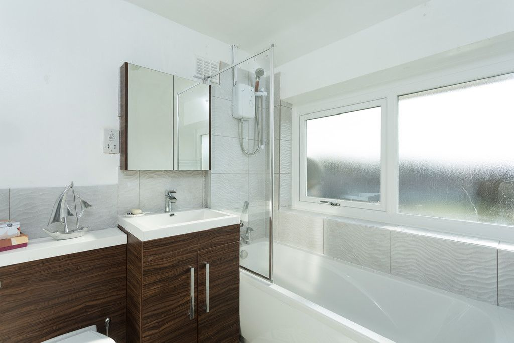 4 bed house for sale in Beechwood Glade, York  - Property Image 2