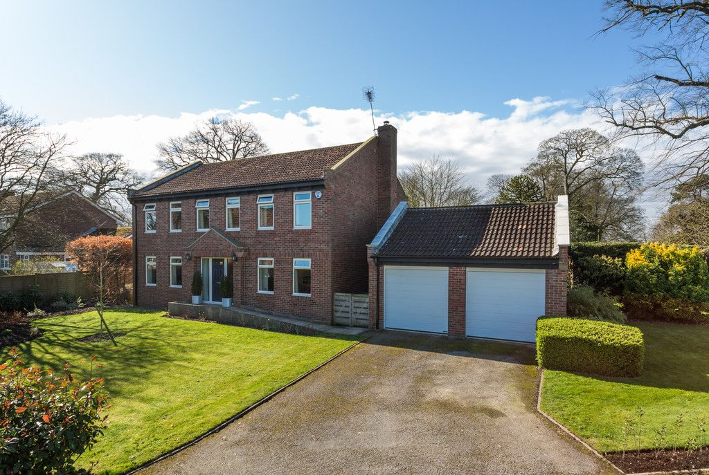 4 bed house for sale in Rectory Close, Bolton Percy, York, YO23