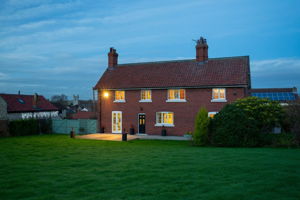 3 bed house for sale in Headwell Lane, Saxton, Tadcaster, LS24