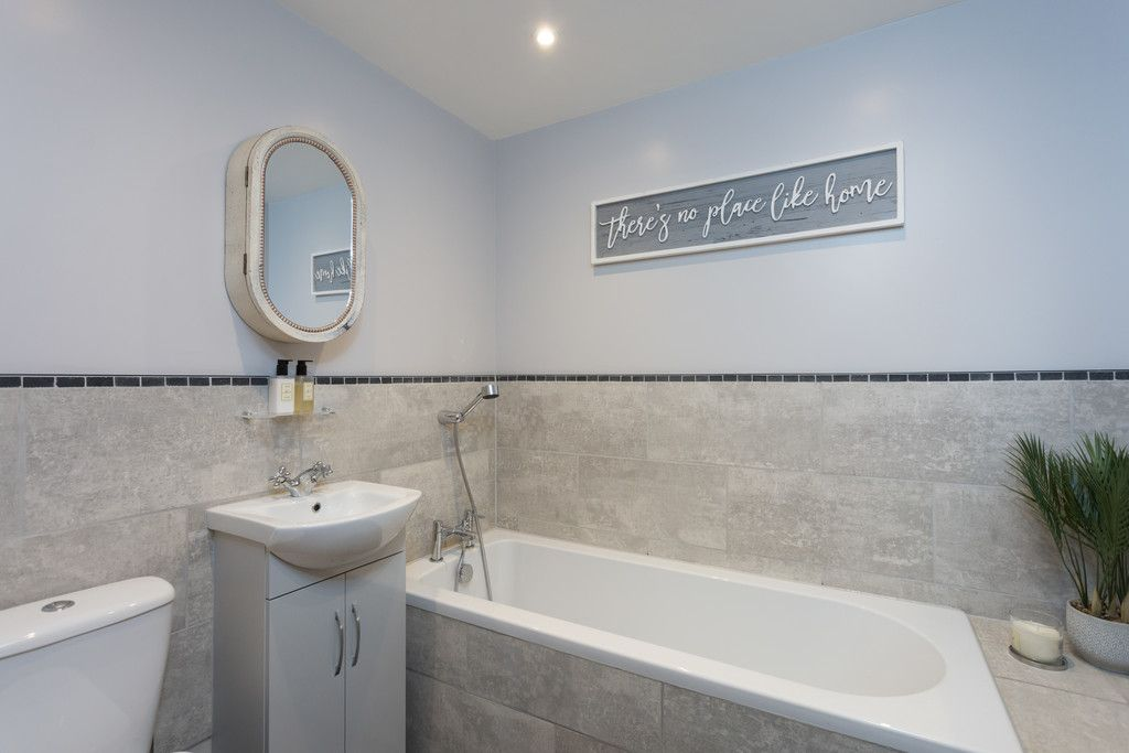 3 bed bungalow for sale in Wheatfield Lane, Haxby, York  - Property Image 6