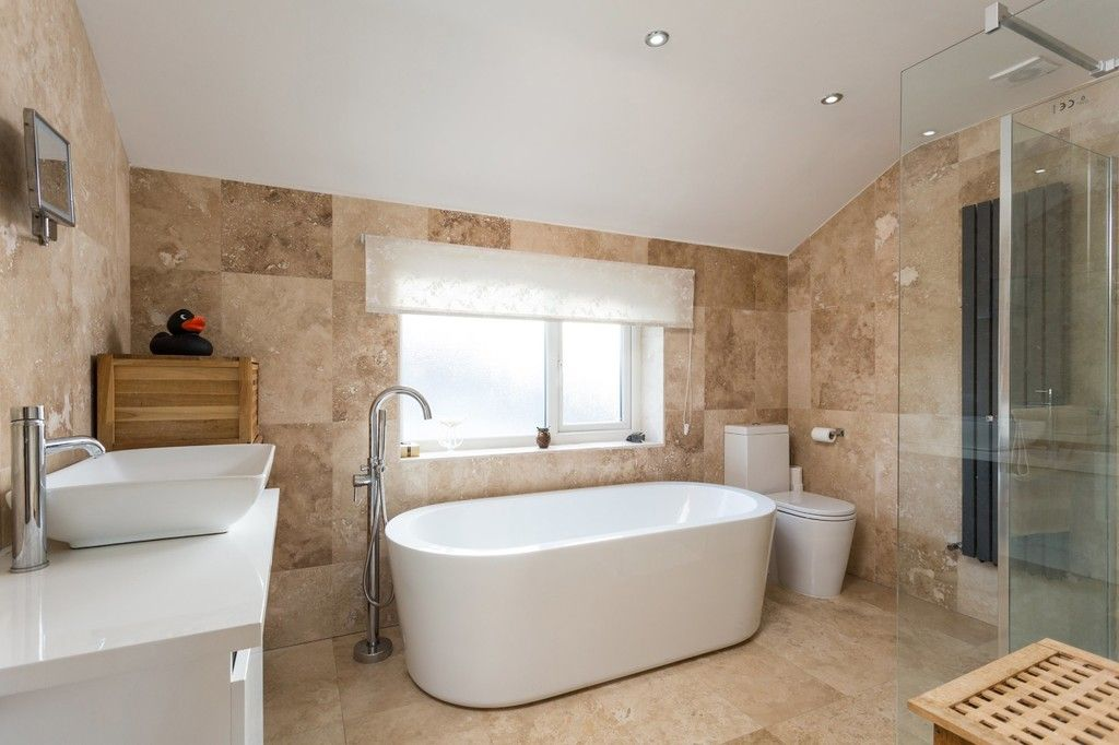 3 bed house for sale in York Road, Tadcaster, LS24