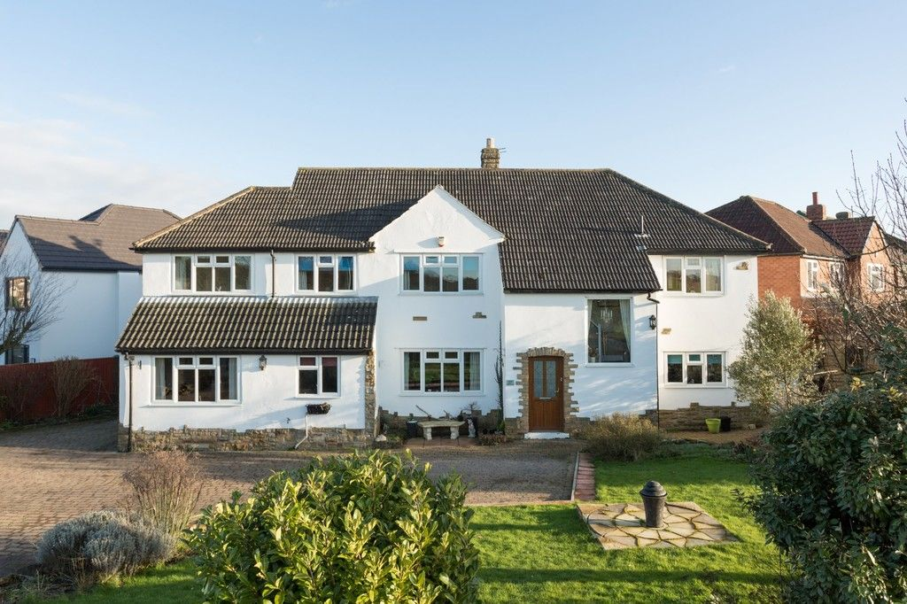 6 bed house for sale in Hallcroft Lane, Copmanthorpe, York 1