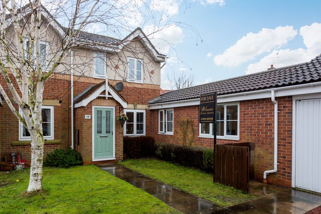 3 bed house for sale in The Meadows, Riccall, York - Property Image 1