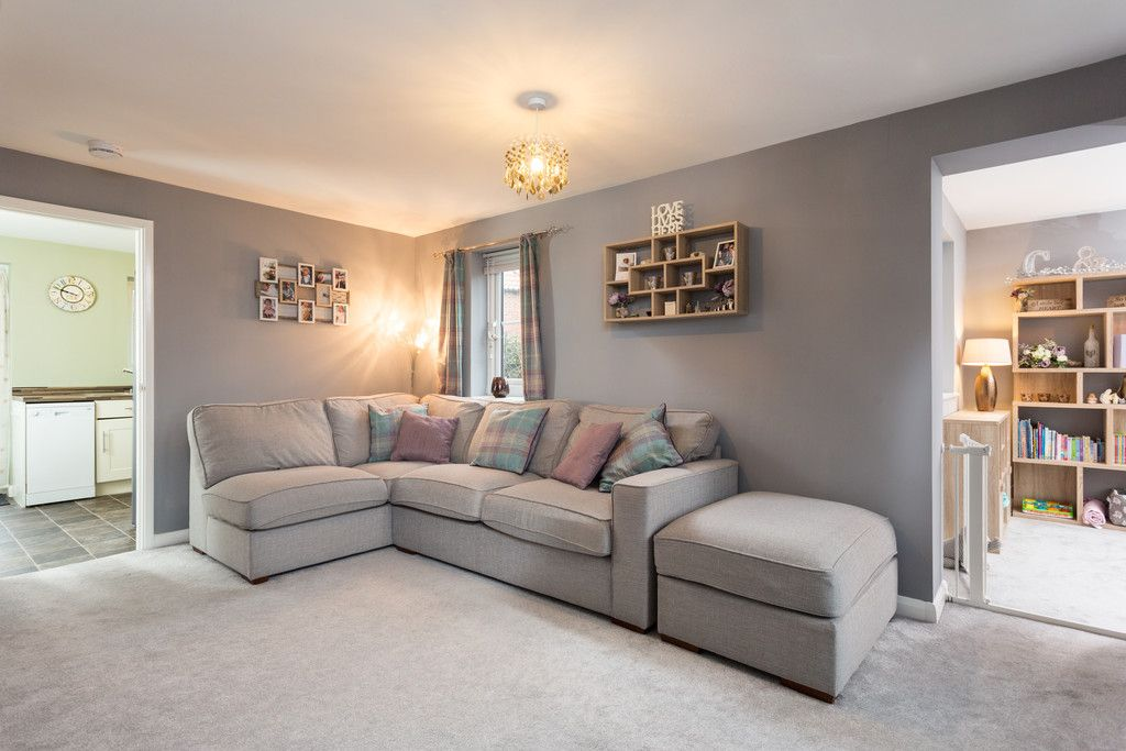 3 bed house for sale in The Meadows, Riccall, York 2