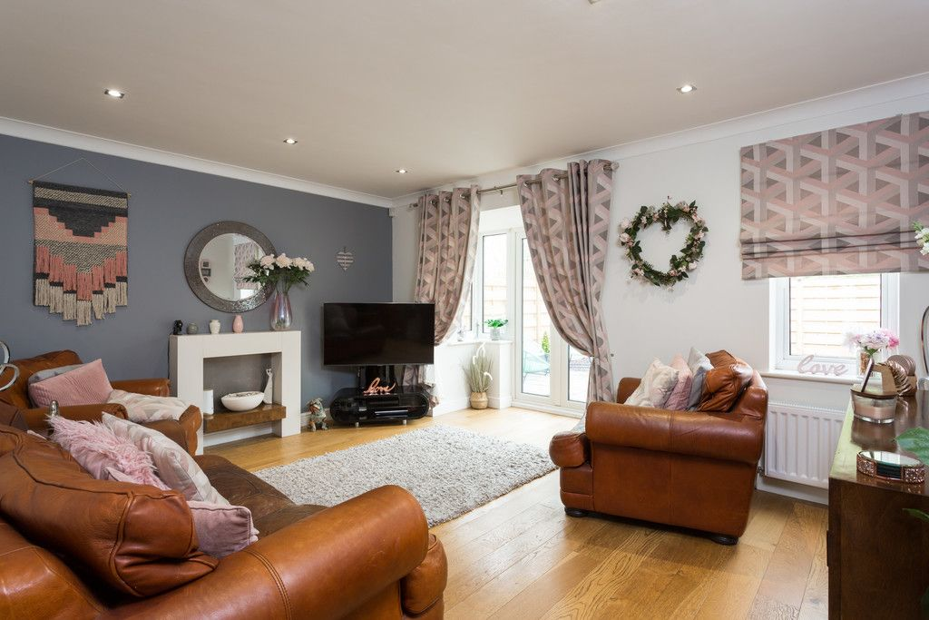 5 bed house for sale in Whistler Close, Copmanthorpe, York 18