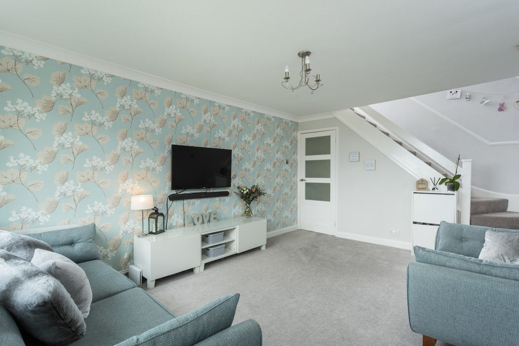 3 bed house for sale in Ostlers Close, Copmanthorpe, York 2