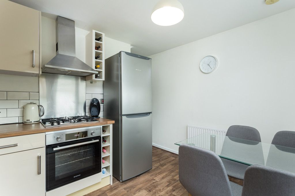 3 bed house for sale in Ostlers Close, Copmanthorpe, York 4
