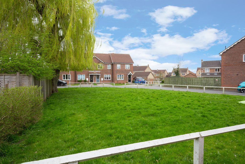 4 bed house for sale in Moorland Gardens, Copmanthorpe, York  - Property Image 12