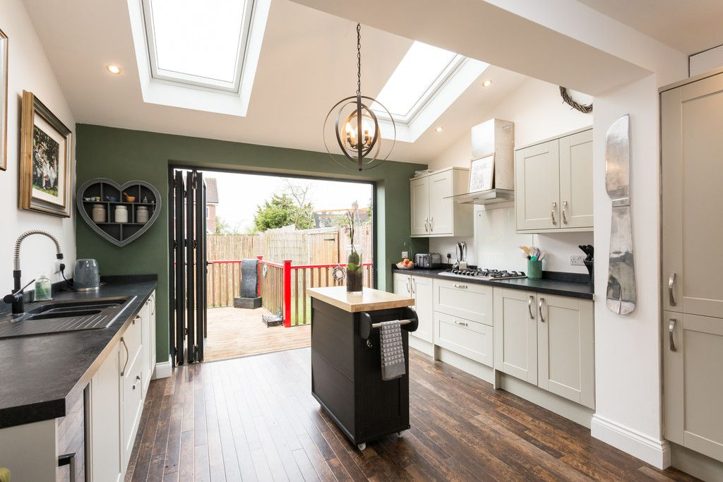 4 bed house for sale in Moorland Gardens, Copmanthorpe, York 13