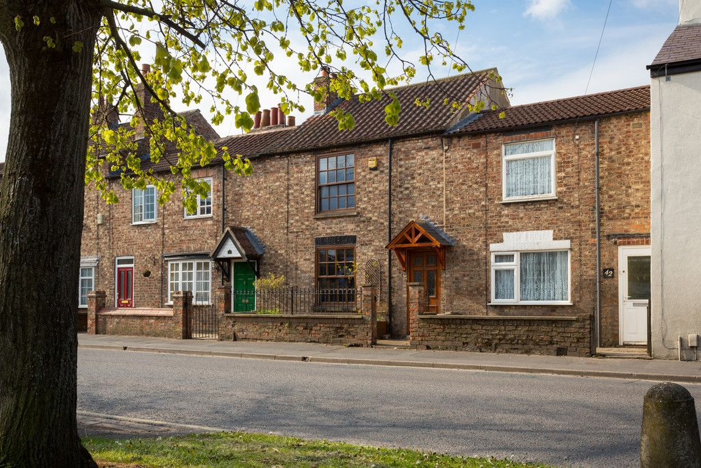2 bed house for sale in Heworth Road, York 16