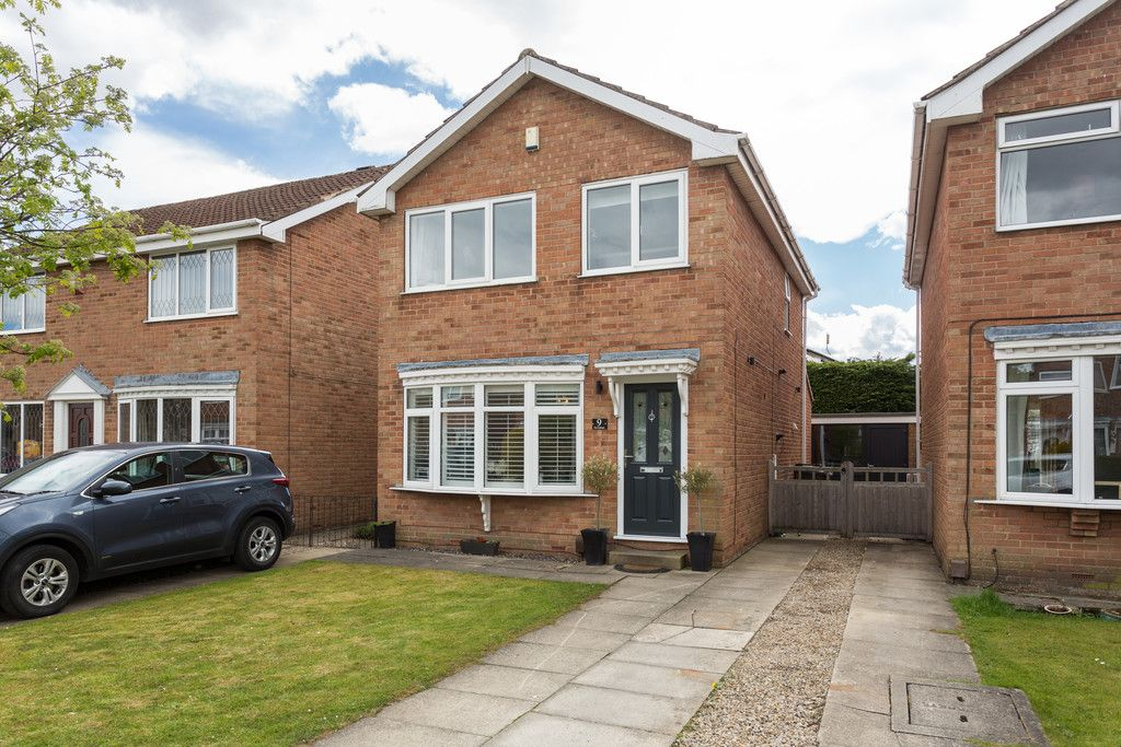 3 bed house for sale in The Gallops, York 16
