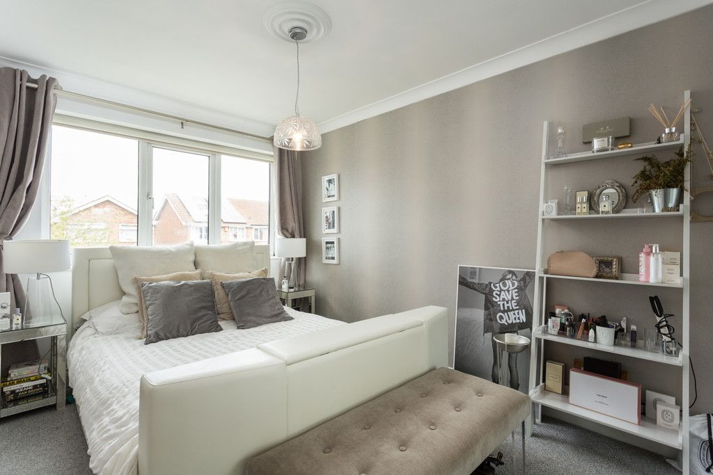 3 bed house for sale in The Gallops, York 9
