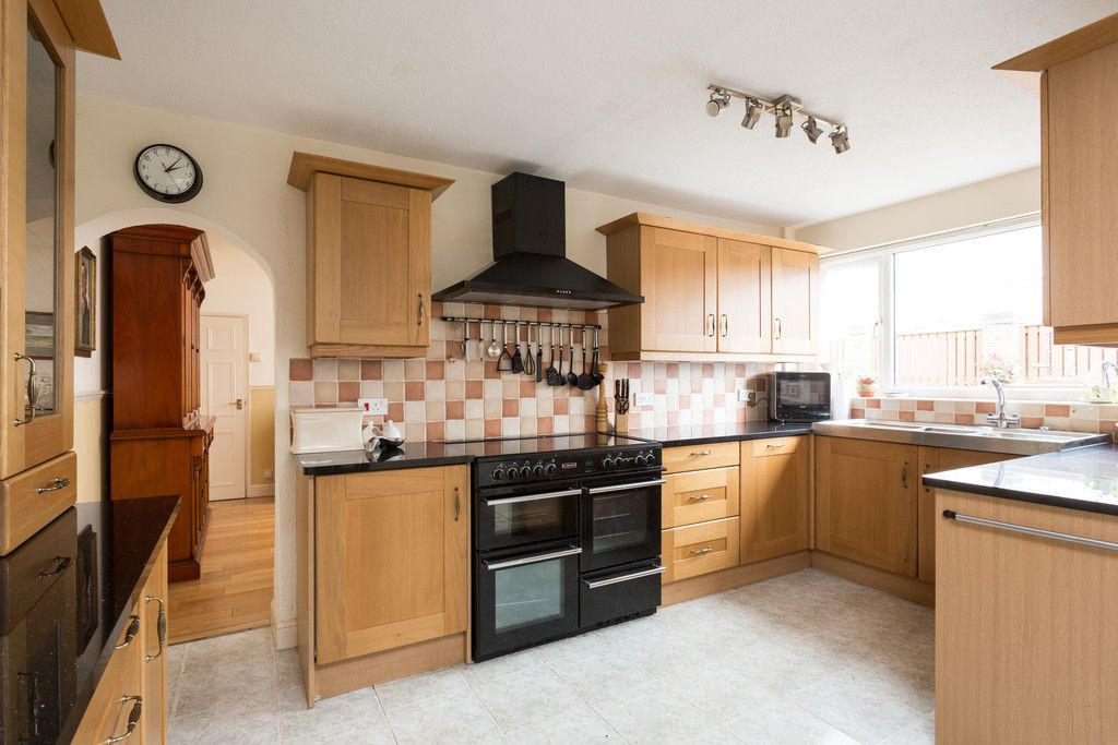 3 bed house for sale in Drome Road, Copmanthorpe, York 2