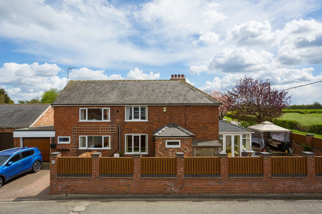 3 bed house for sale in Drome Road, Copmanthorpe, York 11