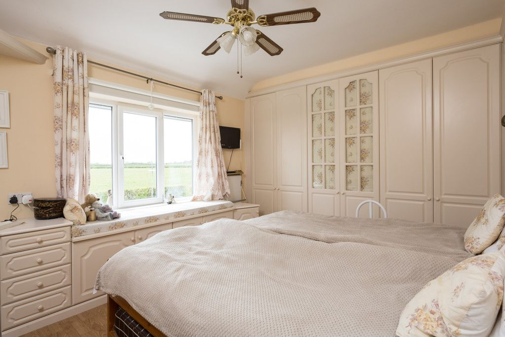 3 bed house for sale in Drome Road, Copmanthorpe, York 6