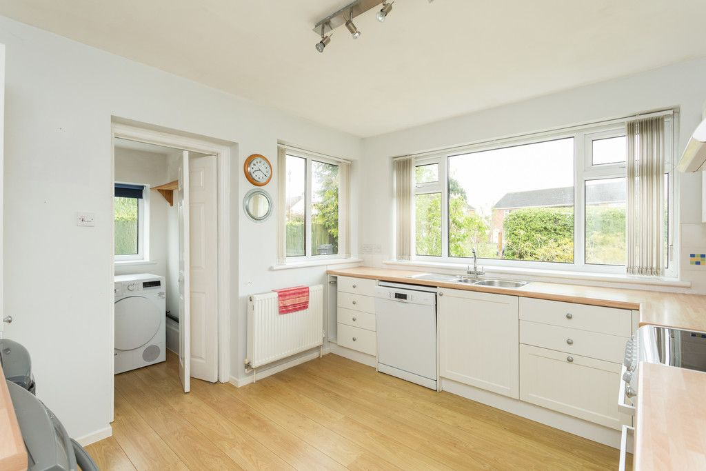 2 bed bungalow for sale in Stockton Lane, York  - Property Image 2