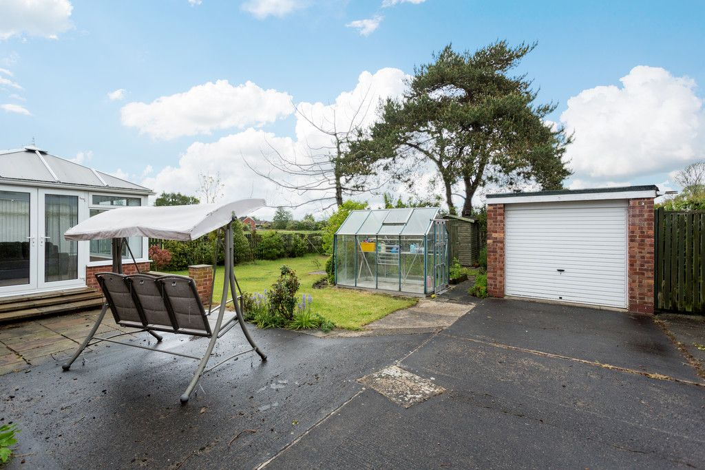 2 bed bungalow for sale in Stockton Lane, York  - Property Image 12