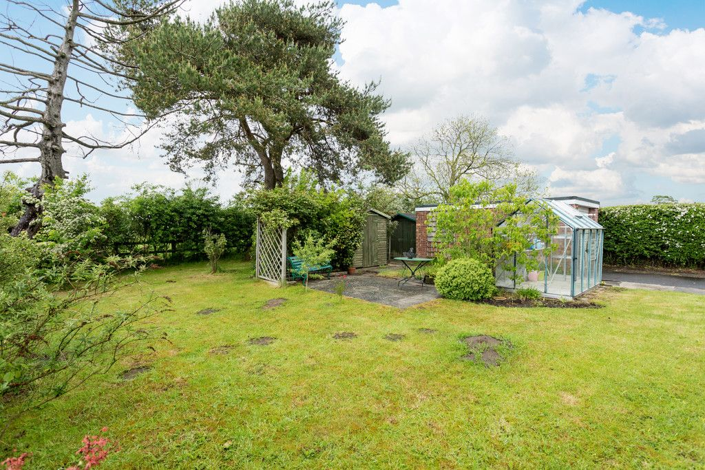 2 bed bungalow for sale in Stockton Lane, York  - Property Image 9