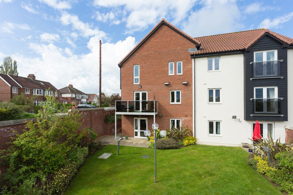 2 bed flat for sale in Smithson Court, Top Lane, Copmanthorpe 5