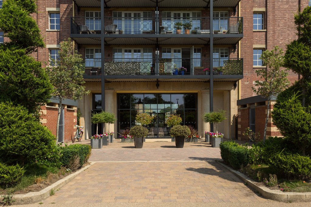 2 bed flat for sale in The Residence, Bishopthorpe Road, York 11