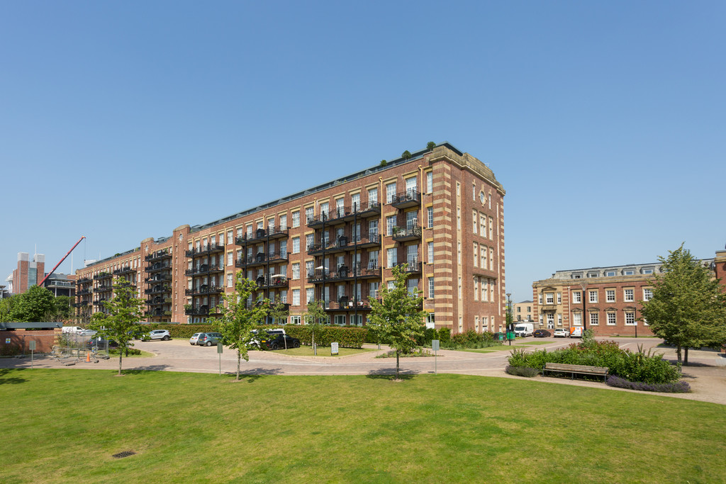 2 bed flat for sale in The Residence, Bishopthorpe Road, York 16