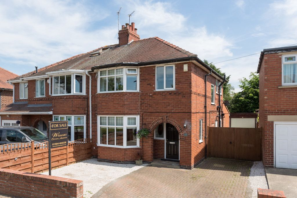 3 bed house for sale in Tranby Avenue, York  - Property Image 1