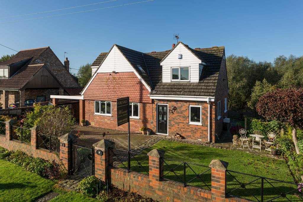 5 bed house for sale in Chapel House, Marsh Lane, Bolton Percy, York , YO23