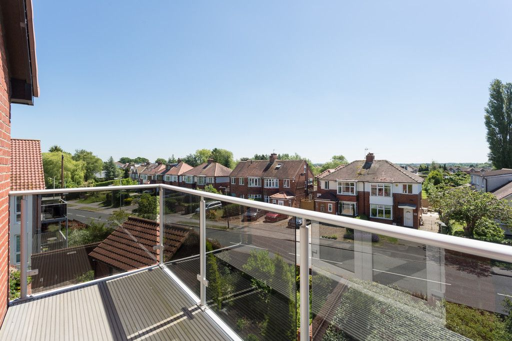 2 bed flat for sale in Smithson Court, Top Lane, Copmanthorpe, YO23