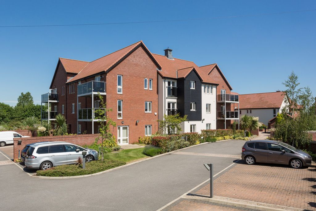 2 bed flat for sale in Smithson Court, Top Lane, Copmanthorpe  - Property Image 3