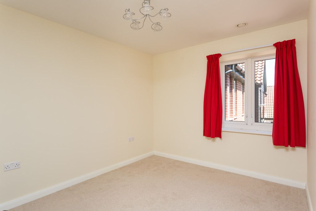 2 bed flat for sale in Smithson Court, Top Lane, Copmanthorpe  - Property Image 7
